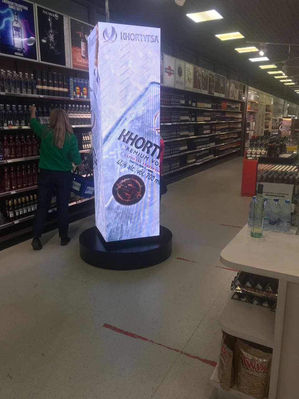 LED медиастойка для магазина от компании LED Lion Group